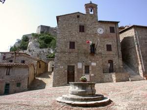 Piazza-vecchietta-sala-consiglio-comunale-storica-castiglione-d-orcia